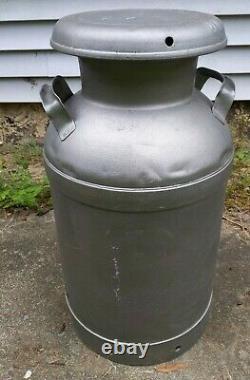 Large 10 gal Vintage Milk Can Queens Farms NEW YORK City Lindenhurst Babylon M&C