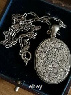 Large Antique Victorian Ivy leaf Design Sterling Silver Locket & Chain
