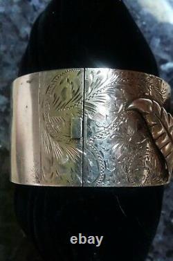 Antique Victorienne Sterling Argent Gravé Calla Lilly Lrg Chunky Bracelet Bangle