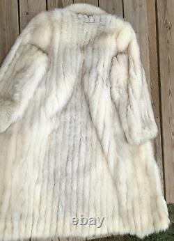 Magnifique Saga Fox Vintage Fur Jacket- Womens Large White/beige