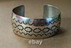 Vintage Grand Amérindien Sterling Silver Sun Stamp Cuff Bracelet Navajo